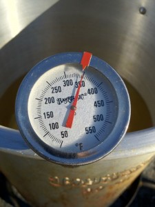 If you don't monitor this simple to understand gauge, the temperature can easily reach over 400°F and your oil could flash.
